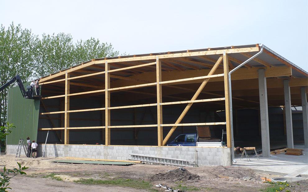 Hallenbau als Bürogebäude oder Produktionshalle oder Landwirtschaftshalle - Linke Dachdeckerei GmbH Mecklenburg